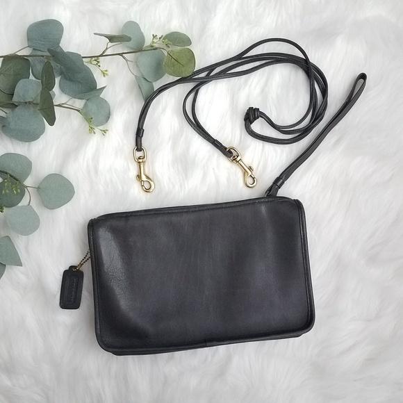Coach Handbags - Vintage COACH Wristlet Crossbody Bag EUC
